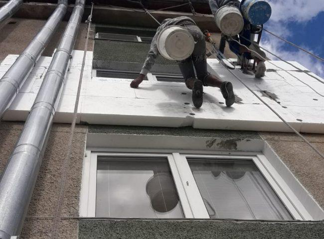 Montaj sisteme de acoperiș-tabla, jgheaburi, burlane
